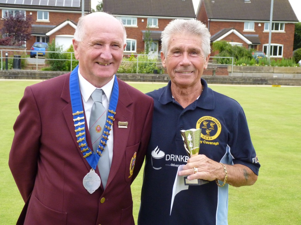 Tony Cavanagh receives his runner-up trophy from BCGBA President, Peter Higham